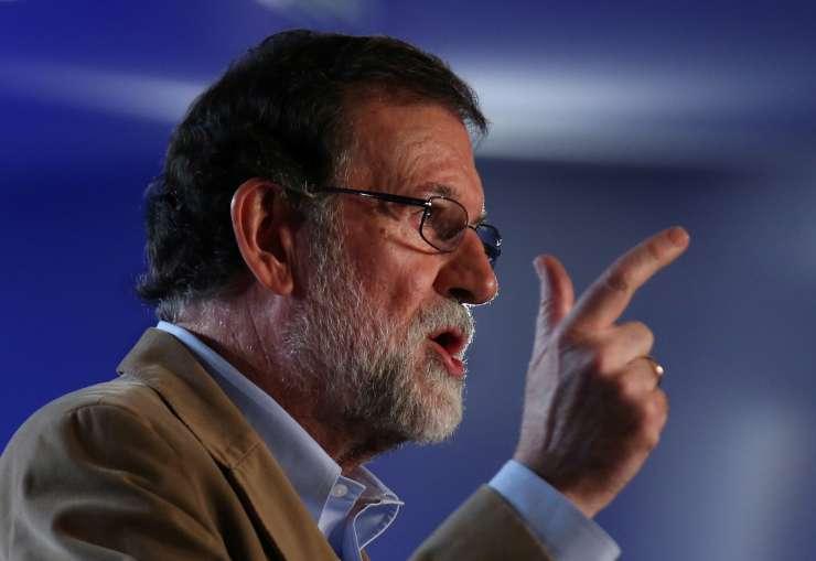 """Rayoy po zapiranju katalonskih politikov govori o vrnitvi """"demokratične in svobodne Katalonije"""""""