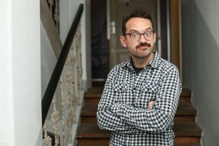 TV voditelj Jože Robežnik: Če ne spremljam politike, nisem tako jezen