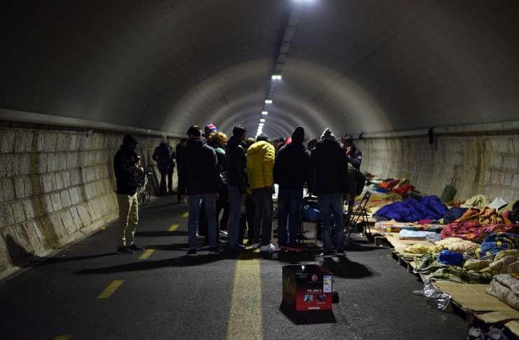 V Gorici izpraznili razvpiti Bombijev predor, kjer so bivali migranti