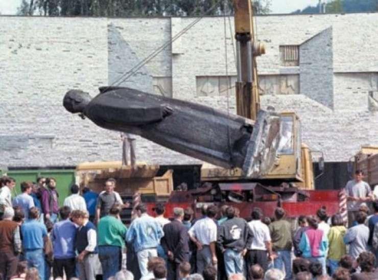 Tito naj ostane na smetišču zgodovine, pravijo v Užicah