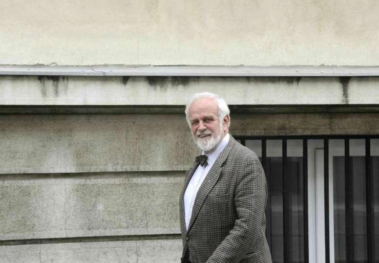 Keith Miles je zgrožen, ker britansko veleposlaništvo na obisk vabi vohuna Udbe Mitjo Meršola