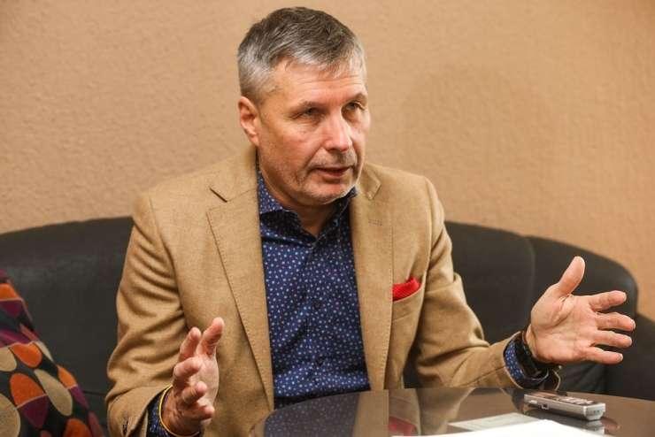 Če bi ga Cerar postavil za notranjega ministra, bi bil Dobovšek danes zvesti član SMC