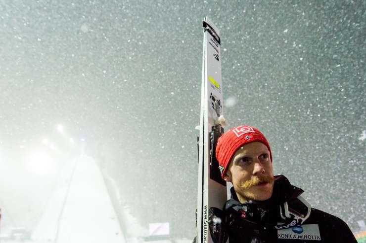 Norveški skakalec Robert Johansson zaradi brkov zvezdnik OI