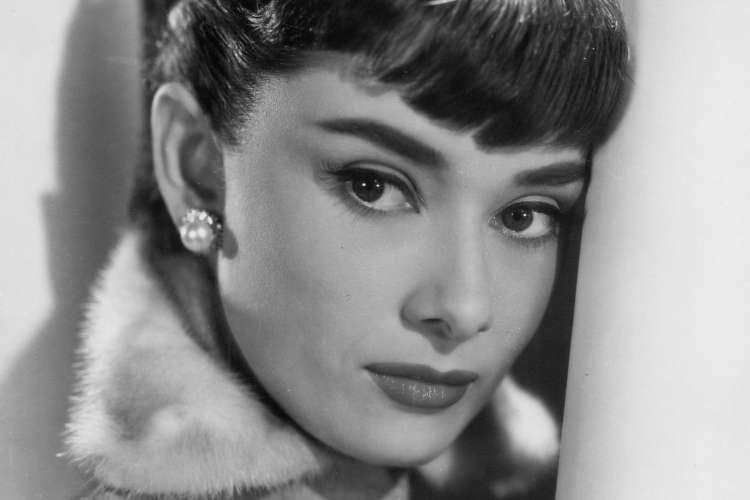 Audrey Hepburn še vedno velja za lepotno ikono.