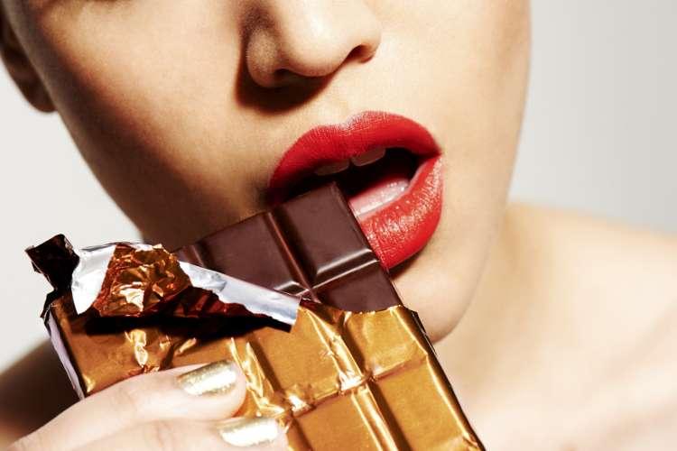 Temna čokolada pomaga pri hujšanju.