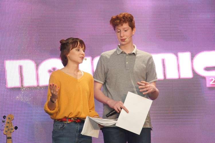 Prireditev sta odlično vodila mlada in perspektivna slovenska igralca, Ronja Matijevec in Matija Brodnik.