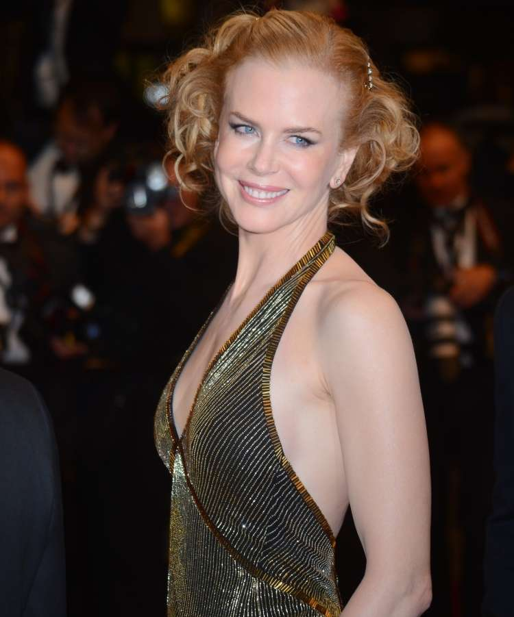 Zdi se, da se 49-letna igralka Nicole Kidman sploh ne stara, in gotovo k temu pripomore tudi njen zelo uravnoteženi odnos do telovadbe.