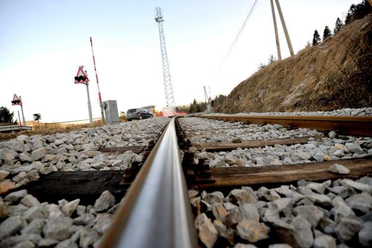 železnica železniški prehod
