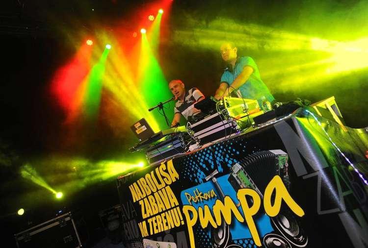 DJ Boštjan in Johny DJ sta prvič združila moči.