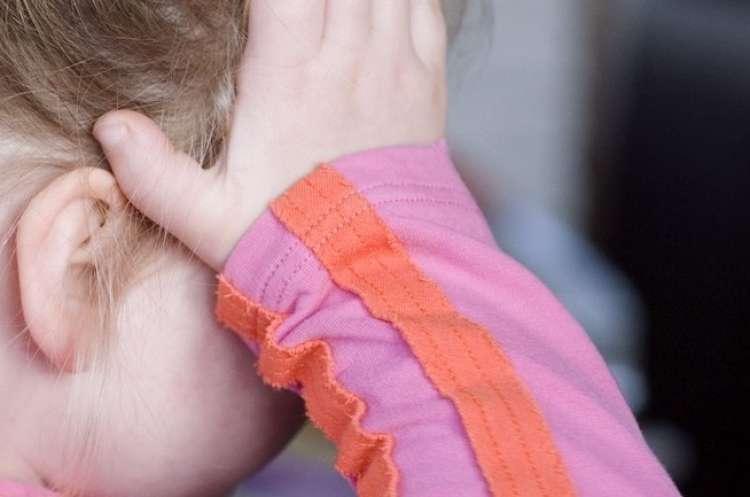 deklica zloraba