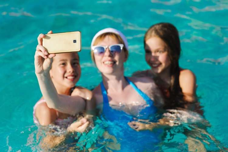 uporaba telefona v vodi