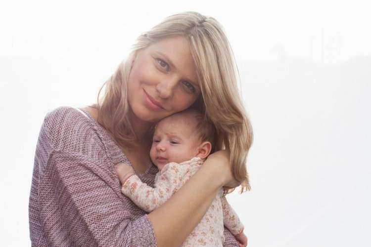 Brezpogojna ljubezen se rodi skupaj z malim dojenčkom.