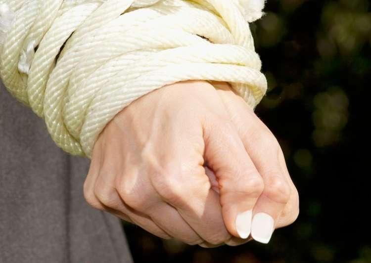 zvezane roke
