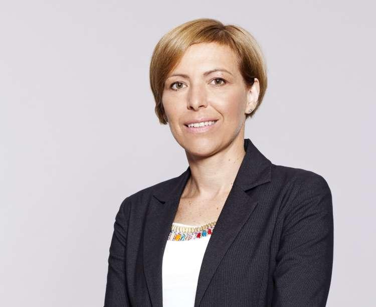 Nina Jazbec, KD Skladi, finančna svetovalka