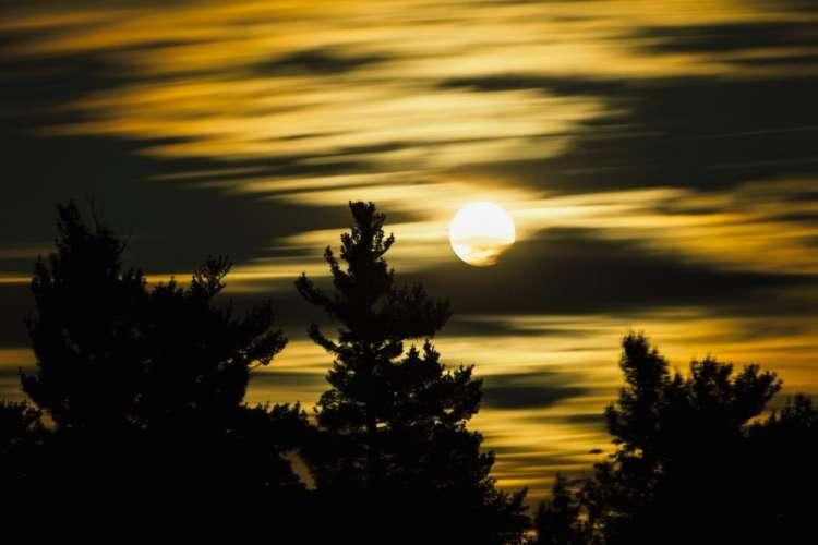 Polna luna prinaša spremembe.