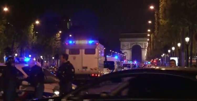 Pariz, Elizejske poljane, policija, streljanje