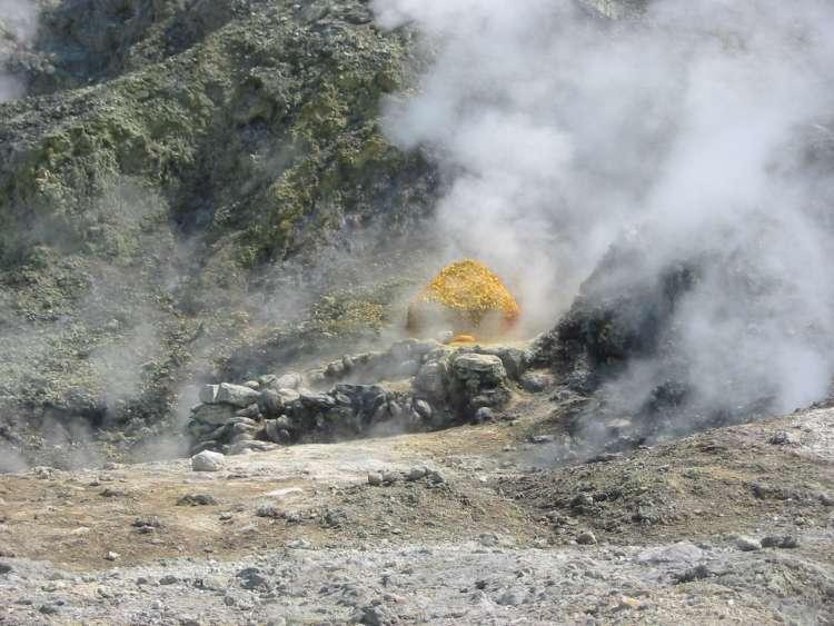 vulkan Campi Flegrei pri Neaplju v Italiji