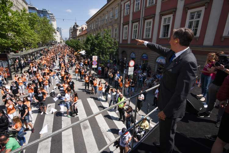Borut Pahor, Maturanti, ples