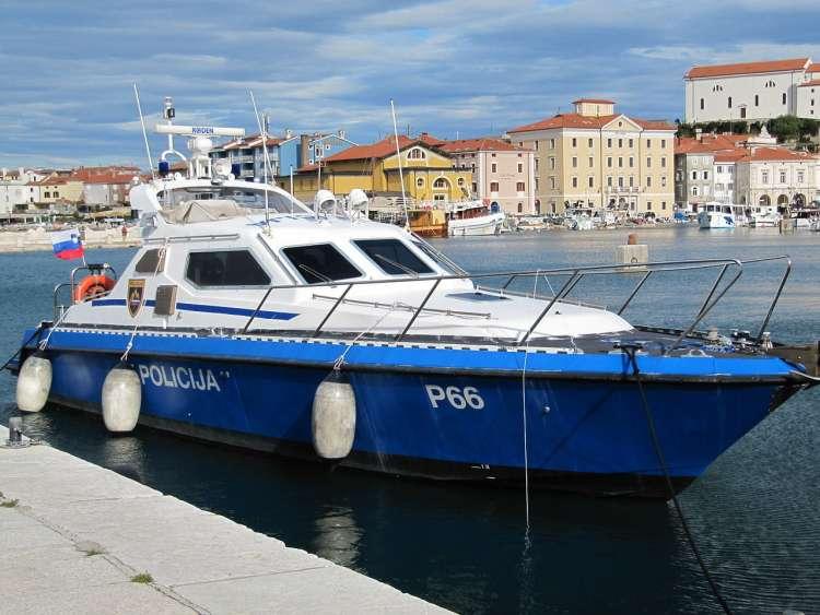 policijski čoln P 66, Piran, morje,