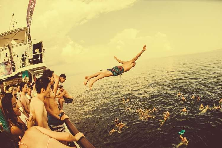 ultra3-boat_party.jpg