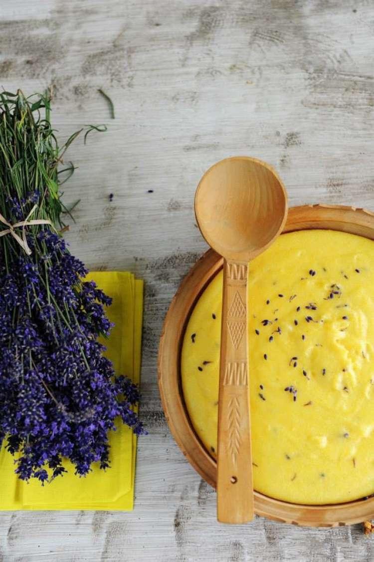 'Pomembno je, da poznamo latinsko ime rastline, ki jo želimo uporabljati v kuhinji, kajti sam izgled rastline in njena barva nas lahko kaj hitro zavedeta.'