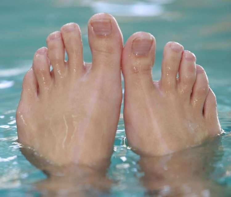 noge, stopala,voda, bazen