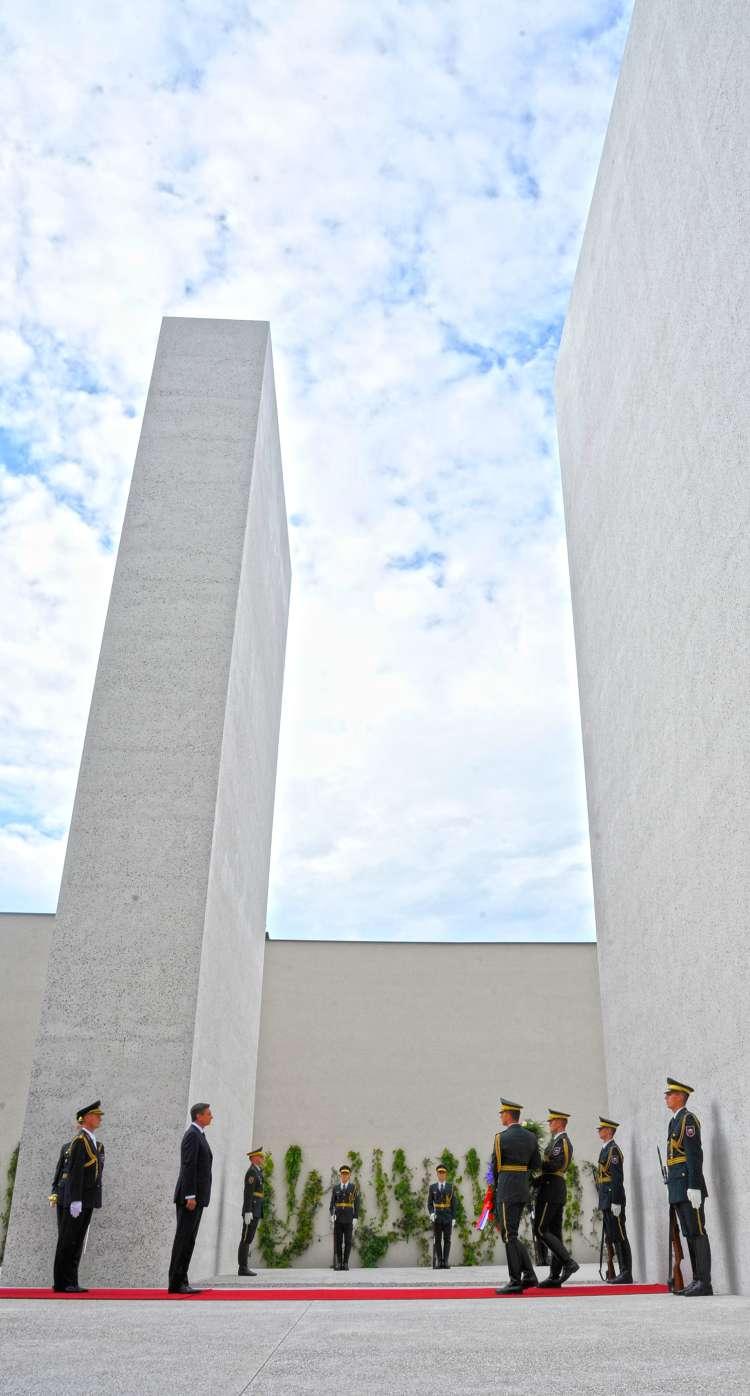 spomenik sprave