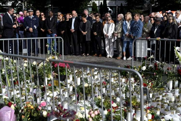 Turku, spominska slovesnost,žrtve, teroristični napad