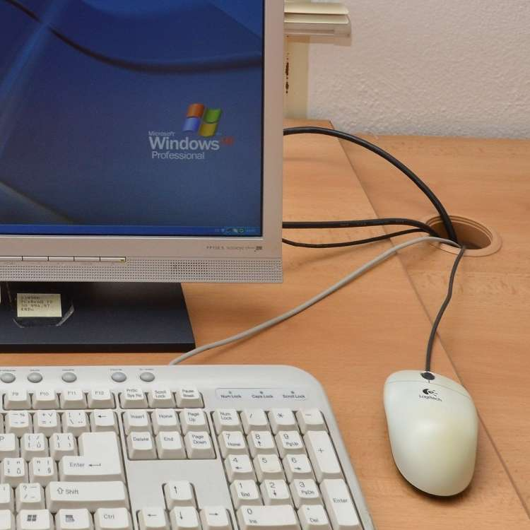 računalnik,windows xp, operacijski sistem