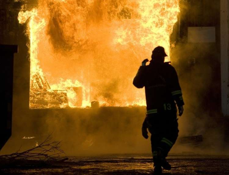 požar, stavba, hiša, zgradba