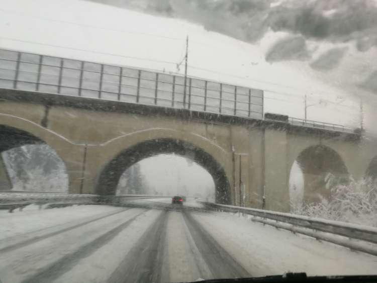 sneg_avtocestajpg