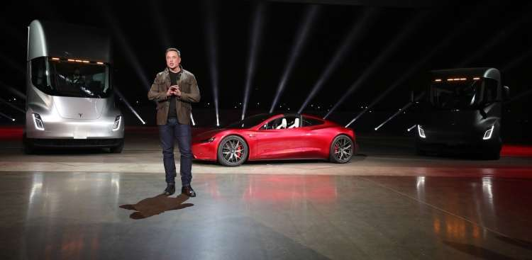 Elon Musk, Tesla Roadster