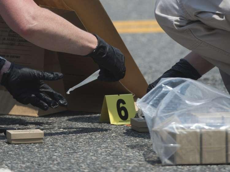 ameriška policija, streljanje, kraj zločina, dokazno gradivo