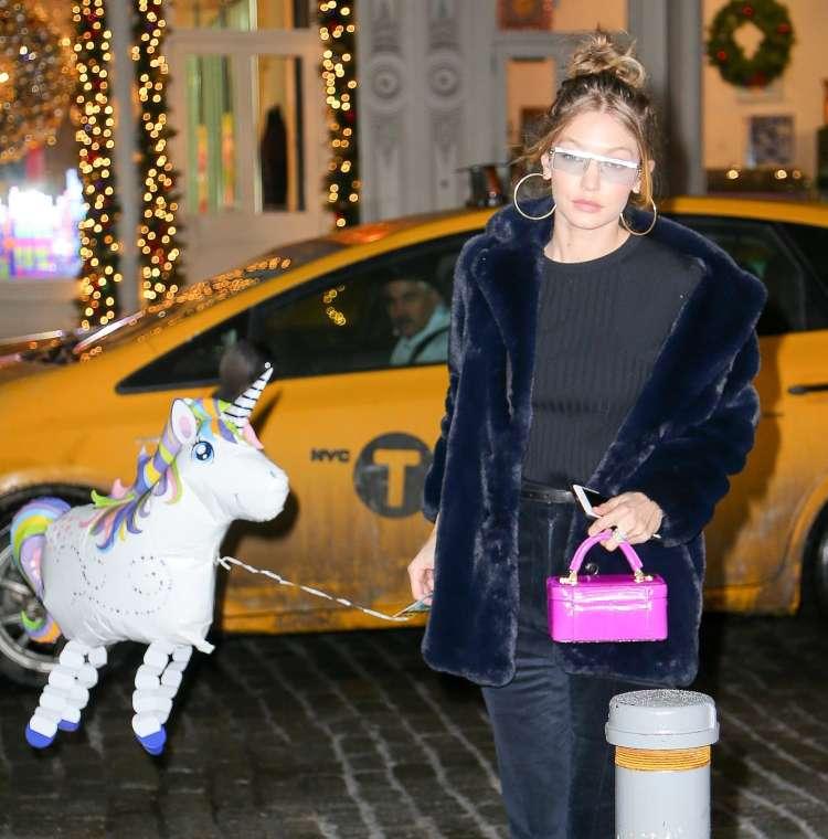 Gigi Hadid in samorog.