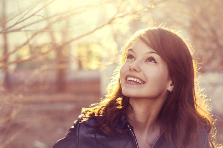 srečna ženska