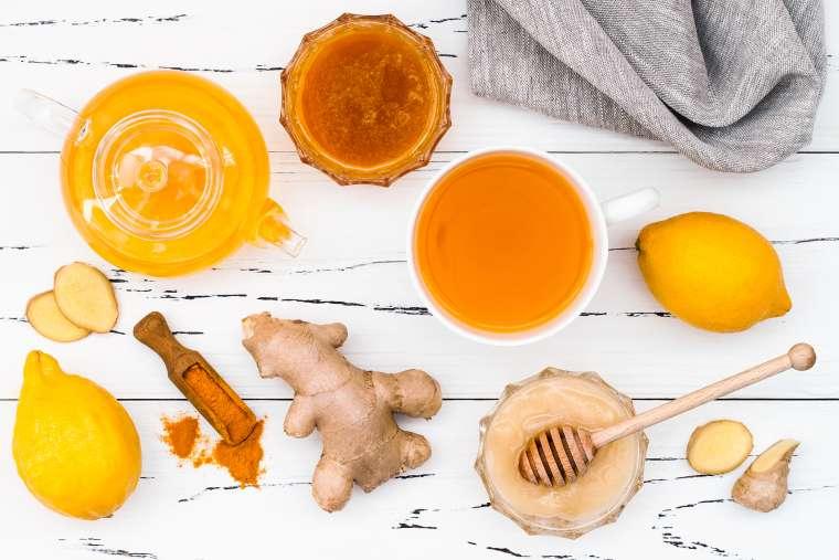 napitek med kurkuma ingver limona