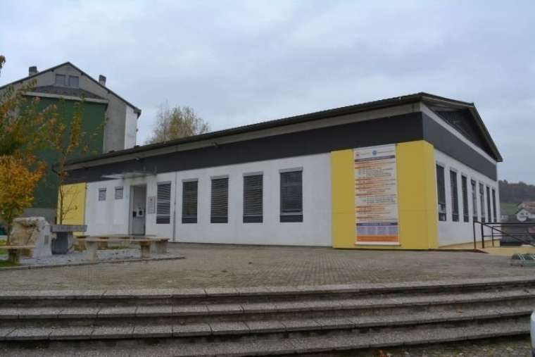ozrk novo mesto humanitarni center