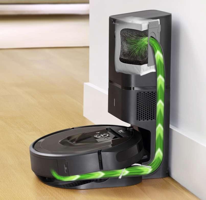 Roomba i7 _CleanBase_Overlay