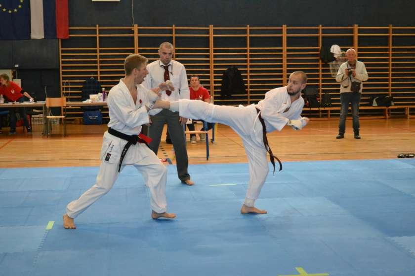 FOTO: Sevniški karateisti uspešni na prvi pokalni tekmi