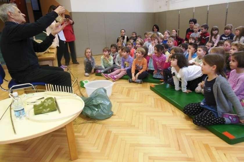 FOTO: V semiškem vrtcu izdelovali košare