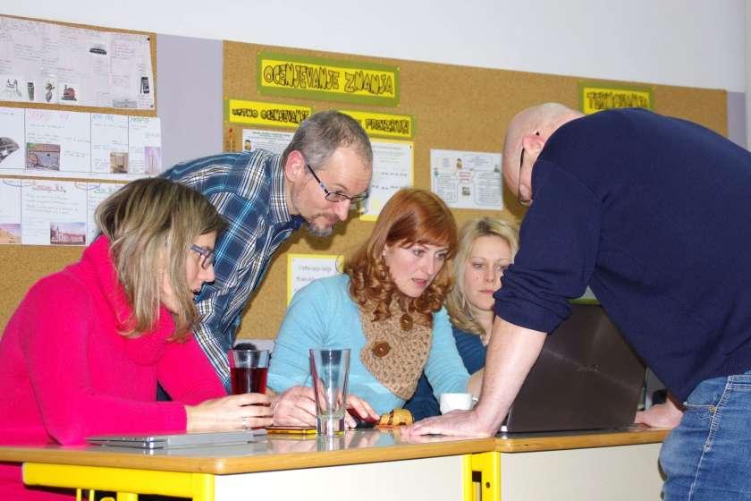 FOTO: Posavski učitelji se učijo snemanja in montaže