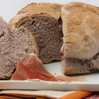 Kruh z rdečim vinom