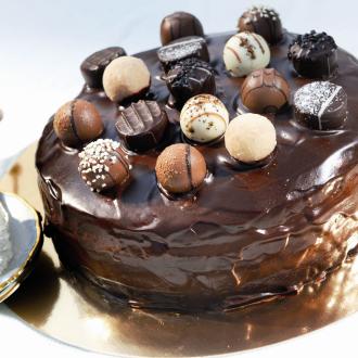 Čokoladna torta s pralineji