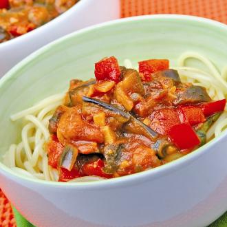 Špageti s paradižnikom in z jajčevci