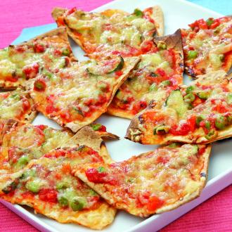 Trikotniki tortilj z bučkami in grahom