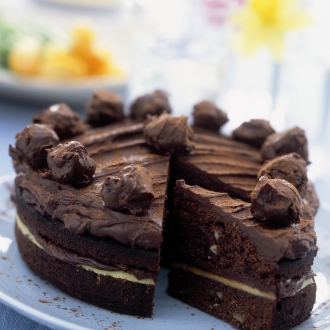 Čokoladna torta z marcipanom