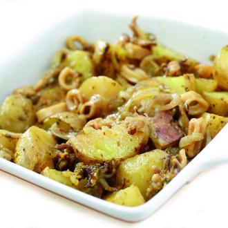 Lignji in hobotnica s krompirjem v pečici