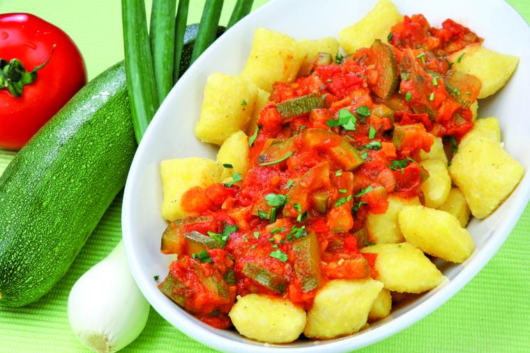 Paradižnikova omaka z bučkami
