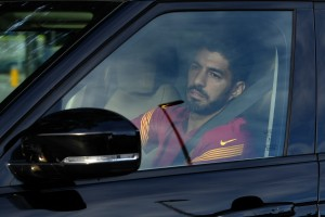 Suarez V SOLZAH zapustil trening center Barcelone (video)