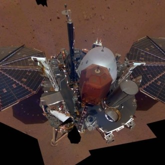 Sonda InSight na Marsu.